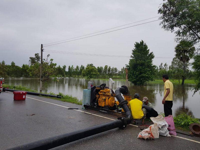 วันที่2กันยายน 2562 อบต.ในเมือง ร่วมกับโครงการส่งน้ำและบำรุงรักษาทุ่งสัมฤทธิ์ ติดตั้งเครืองสูบน้ำเพื่อเร่งระบายน้ำท่วม บ้านทองหลาง หมู่ 12 ตำบลในเมือง